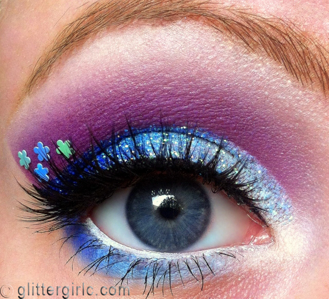 Sparkly Blue flower 3