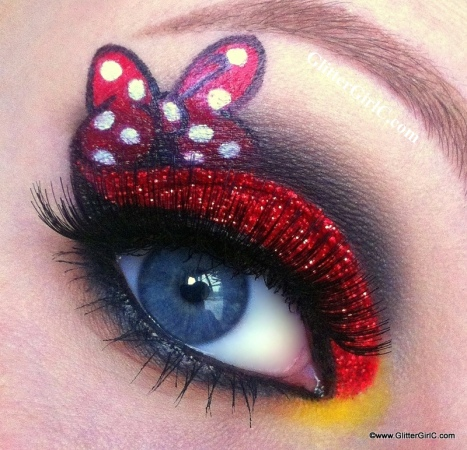 Minnie Mouse makeup look