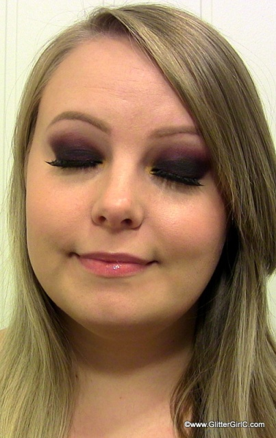cranberry smokey eye for fall