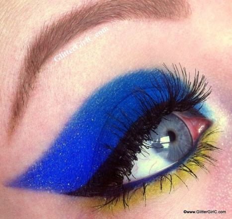 Blue and lime makeup