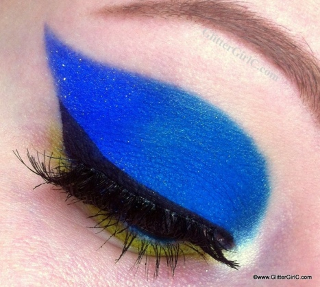 Blue and lime makeup look
