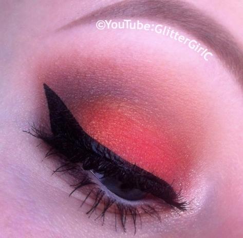 Coral makeup